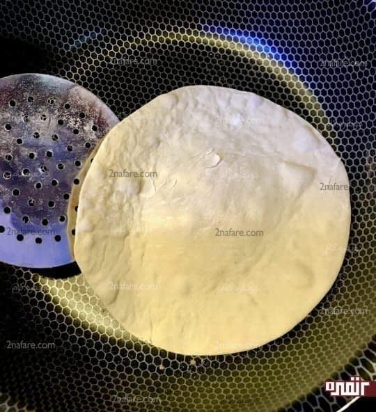 پختن نان در تابه