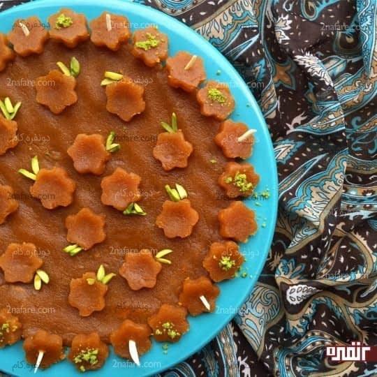 تزیین حلوا با قالب شیرینی پزی