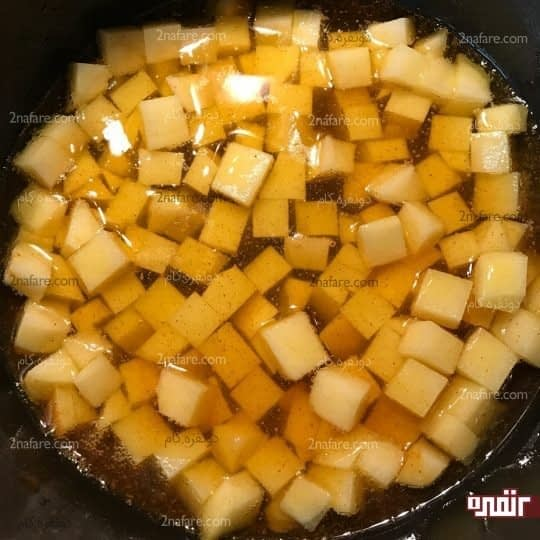سرخ کردن سیب زمینی