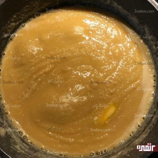اضافه کردن آرد به کره