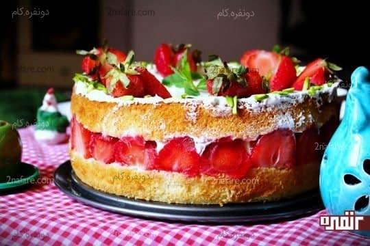 کیک توت فرنگی 1