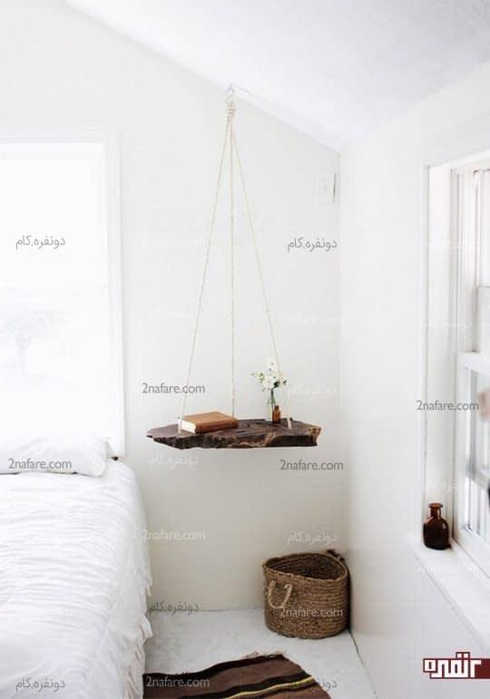 آویز چوبی در اتاق خواب