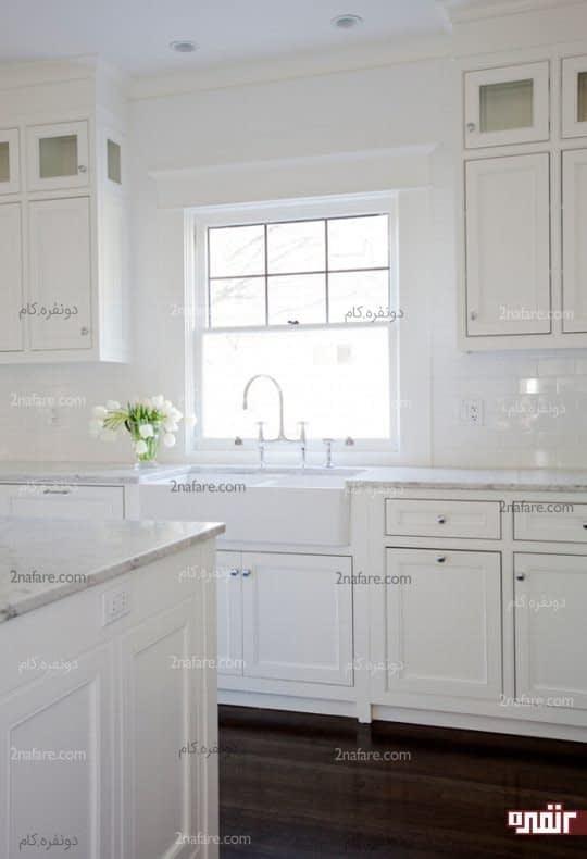 آشپزخانه ای مدرن با رنگ سفید