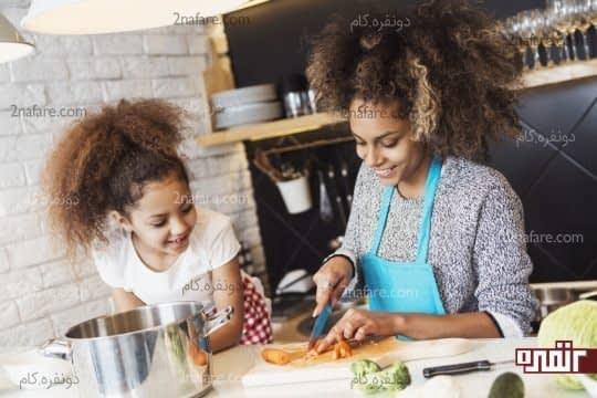 آشپزی در کنار بچه ها