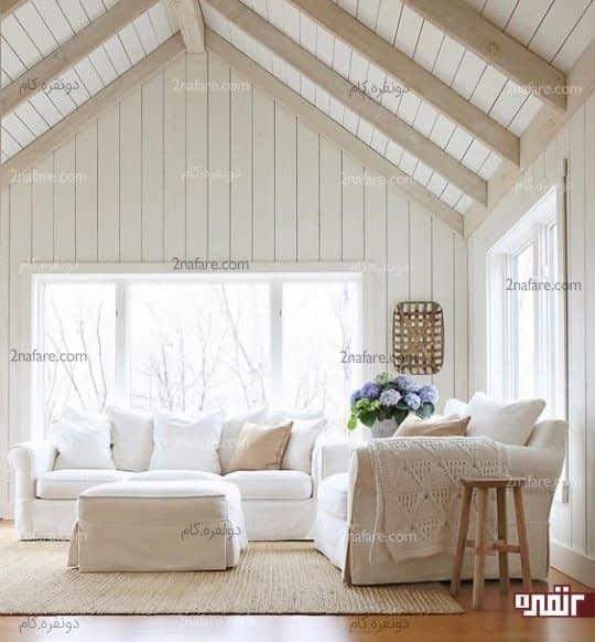 بافت زیبا از پارچه ها و فرش متناسب با فضای سفید نشیمن