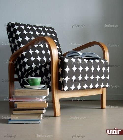 صندلی زیبای سیاه و سفید با نقوش هندسی