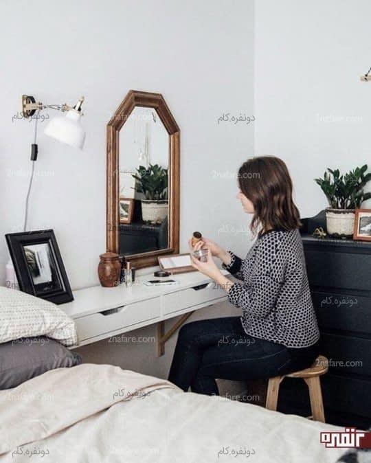 میز کشویی بعنوان کنسولی برای آینه