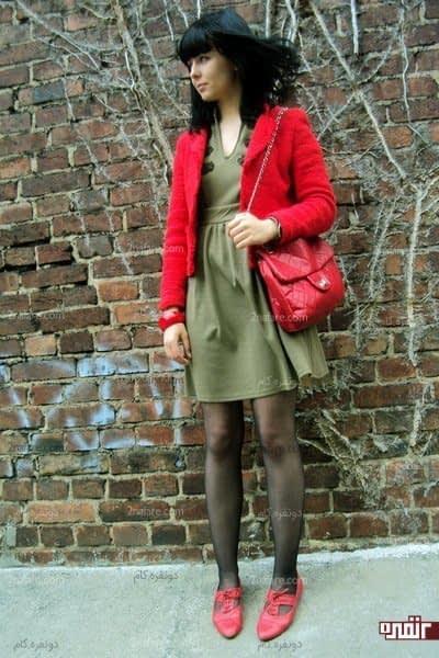 از ترکیب کفش قرمز با لباس سبز روشن دوری کنید