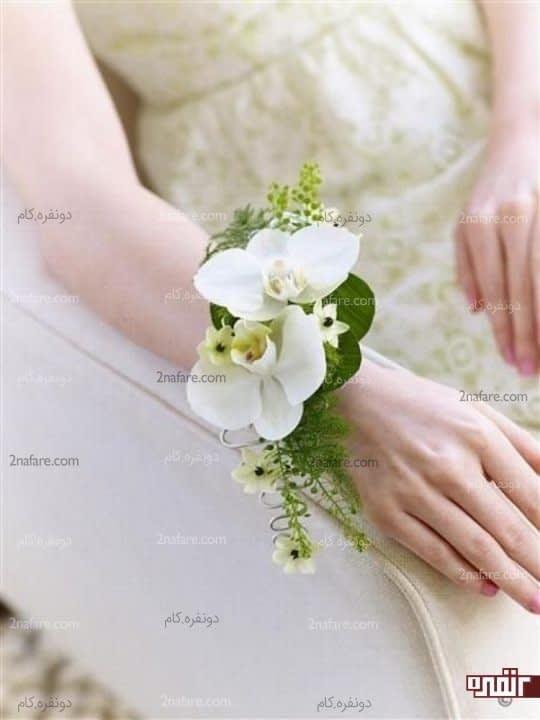 دسته گل مچی با ارکیده سفید