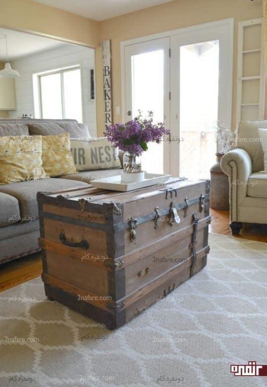 صندوقچه ی قدیمی بعنوان میز و دکور زیبا