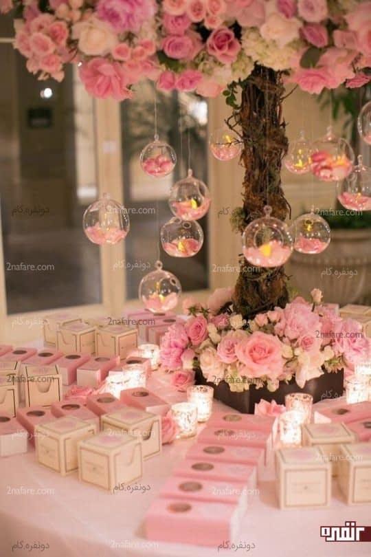 هارمونی زیبا بین گیفت ها و رنگ های اصلی مجلس عروسی
