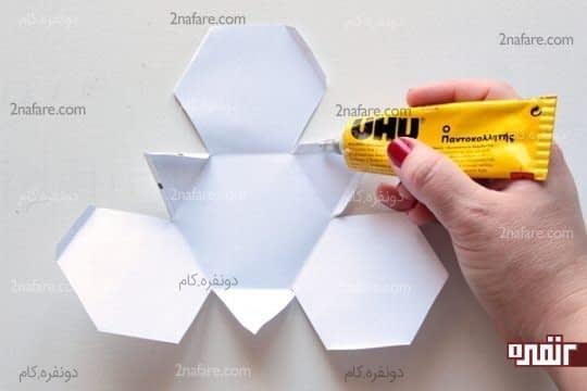 چسباندن لبه های کاغذ