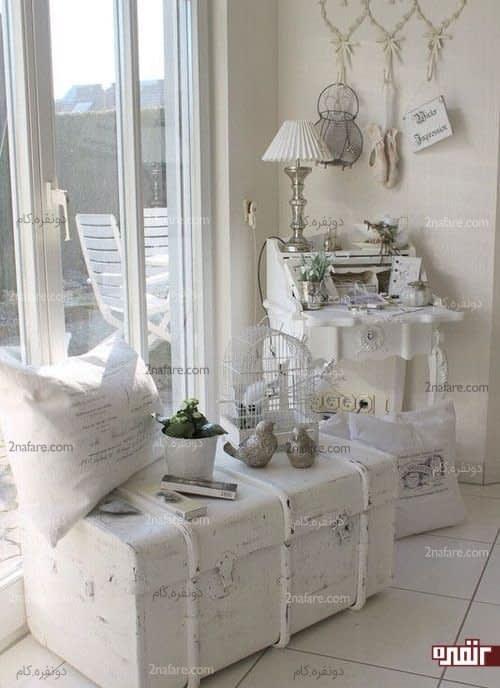 کنسول زیبای سفید رنگ هماهنگ با دیزاین اتاق
