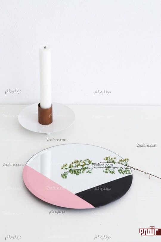 آینه ی زیبای رومیزی با طراحی مشکی و صورتی