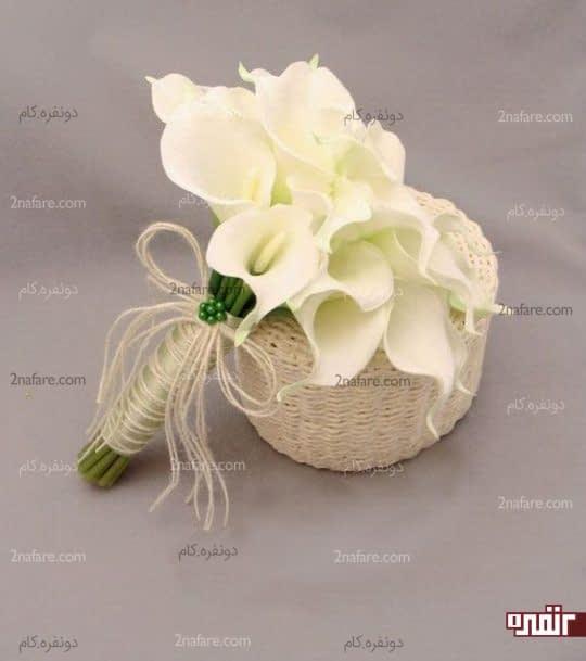 بافت و اکسسوری برجسته برای دسته گل شیپوری سفید عروس