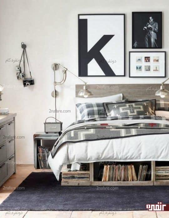 تخت چوبی و قطعه های فولادی در اتاق پسرونه