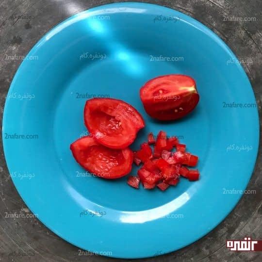 خورد کردن فیله گوجه فرنگی