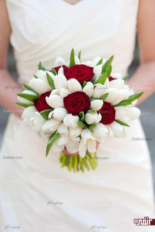 دسته گلی از لاله و رز برای عروس
