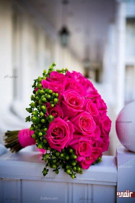 دسته گل زیبای رز صورتی