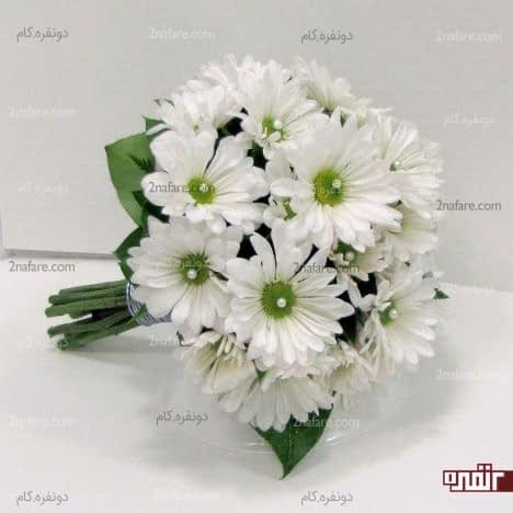 دسته گل سفید و زیباعروس