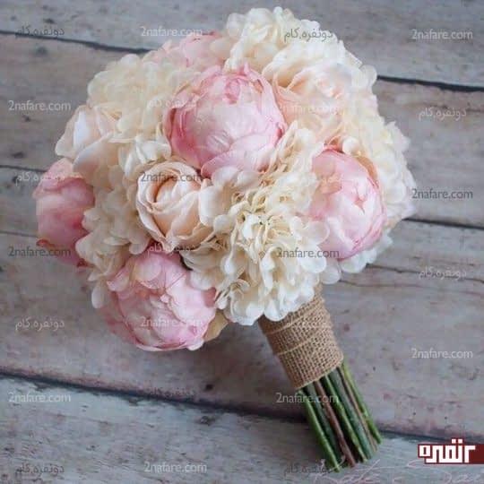 دسته گل عروس با ترکیب گلهای صدتومنی، رز و هورتانسیا