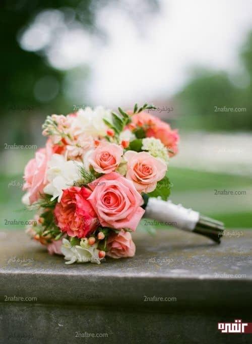 دسته گل عروس با رز و پئونی