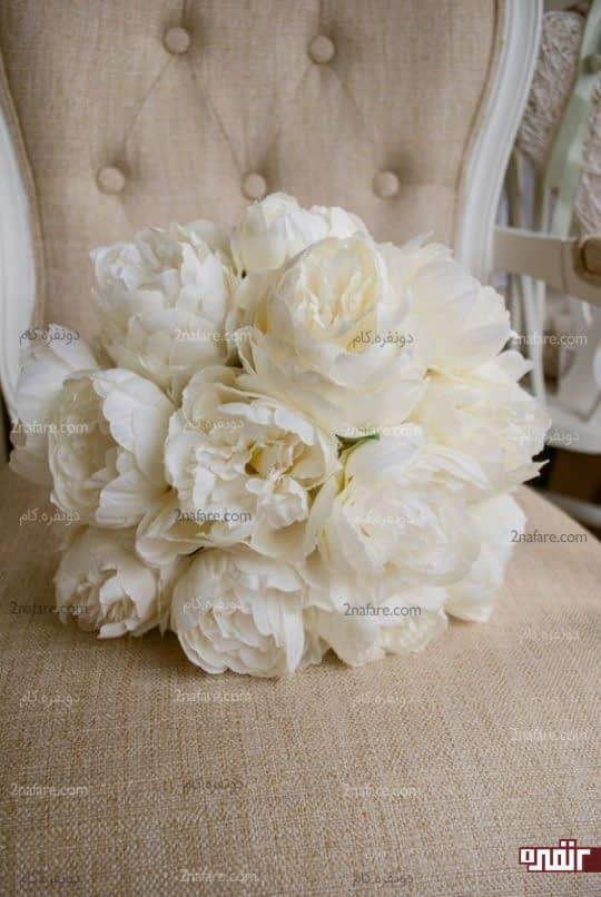 دسته گل عروس با پئونی سفید