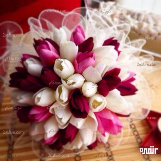 زیبایی و درخشندگی دسته گل عروس با رنگ های مکمل از گل لاله