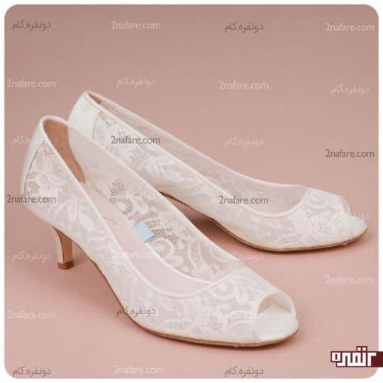 کفش سفید و زیبای عروس با پاشنه کوتاه