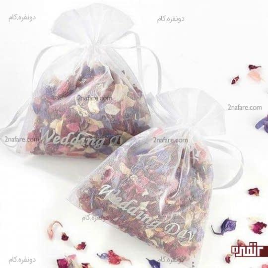 گیفت عروسی گل های خشک و معطر