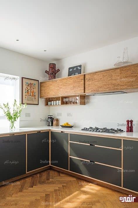 آشپزخانه دو رنگ با ترکیب چوب برای کف و کابینت آشپزخانه