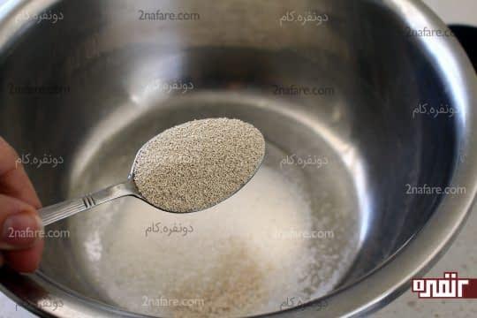 اضافه کردن خمیر مایه فوری