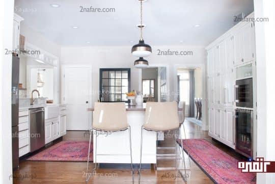 با فرش ها کاربری فضا را در آشپزخانه نشان دهید