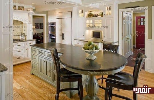 جزیره ی دایره ای شکل در آشپزخانه به عنوان میز غذاخوری