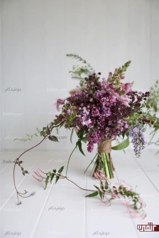 دسته های گل در قسمت های مختلف خانه