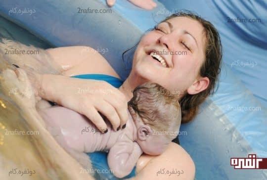 زایمان طبیعی در آب بدون جراحت پزشک