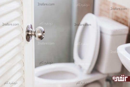مشاهده خون هنگام توالت
