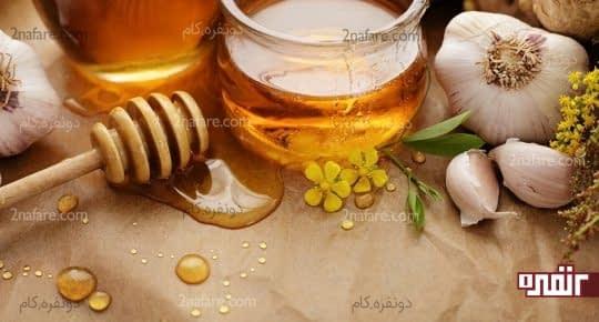 درمان ترک گوشه لب با سیر و عسل