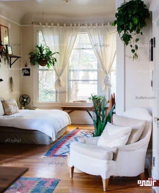 اتاق خواب جذاب و ساده با گلدان های آویز