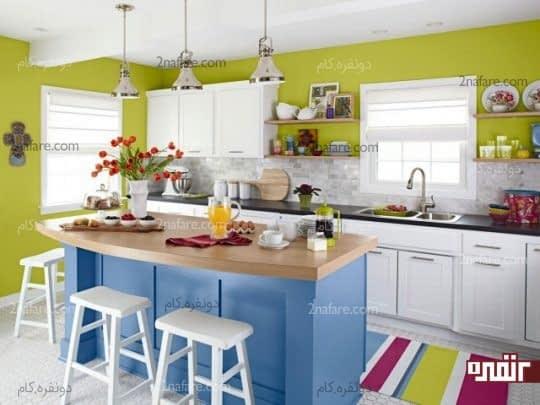 بزرگتر نشان دادن آشپزخانه کوچک با ترکیب رنگ و نورمناسب