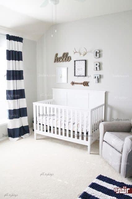 تخت دارای گارد برای حفظ امنیت نوزاد