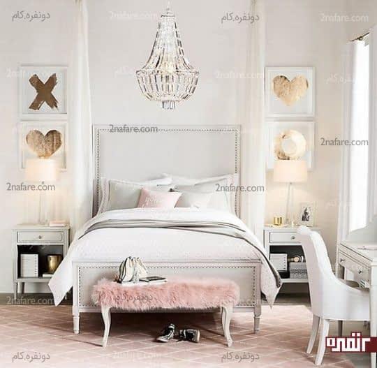 ترکیب رنگ های کرم، صورتی و طلایی در اتاقی شیک و زیبا