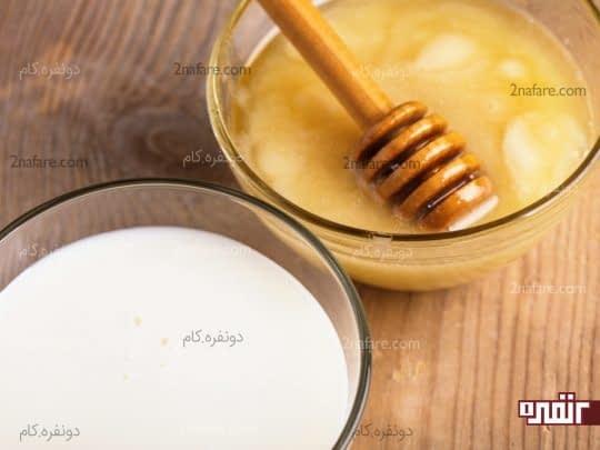 ترکیب شیر و عسل برای درمان جوش های سر سیاه