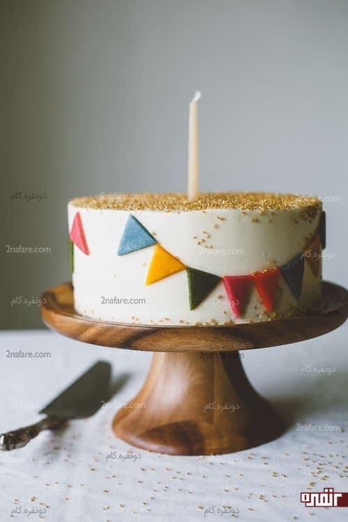 تزین کیک تولد با فوندانت ساده و جذاب