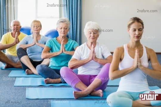 تمدد اعصاب و کاهش درد آرتروز با حرکات کششی یوگا