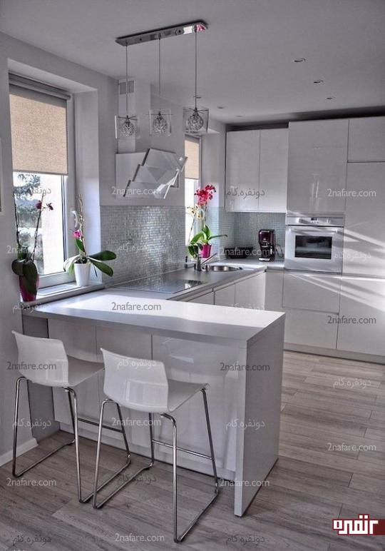 رنگ سفید و وجود پنجره مؤثر در بزرگتر نشون دادن آشپزخونه های کوچیک