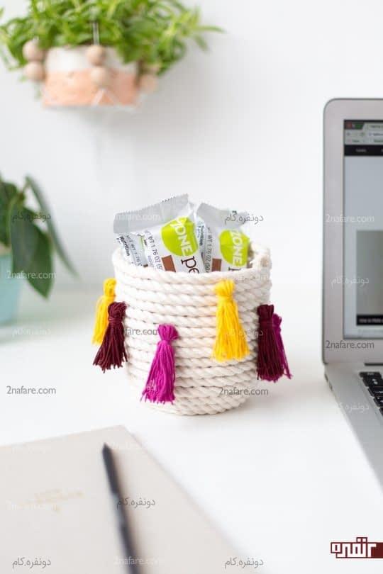 سبد تزیینی زیبا با منگوله های رنگی