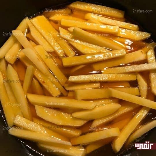 سرخ کردن سیب زمینی ها