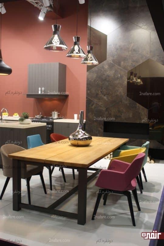 صندلی های رنگی و زیبای فضای غذاخوری