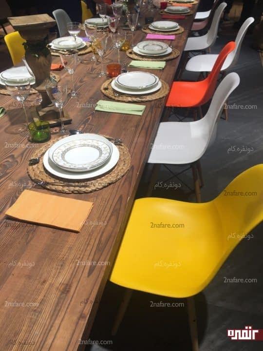 صندلی های غذاخوری با رنگ های متفاوت